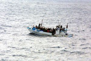 flyktingbåt 2